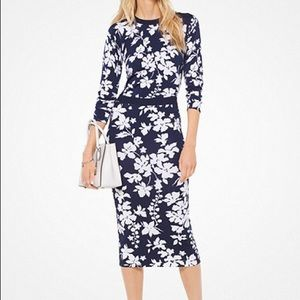 Floral stretch-Viscose sweater and pencil skirt